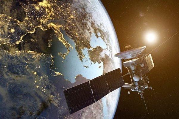 توسعه اینترنت اشیا با استفاده از شبکه ماهوارههای کوچک